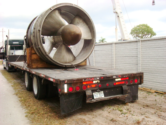 Lineshaft on a truck trailer